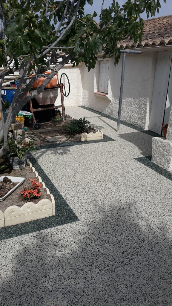Tapis de marbre perméable contour villa