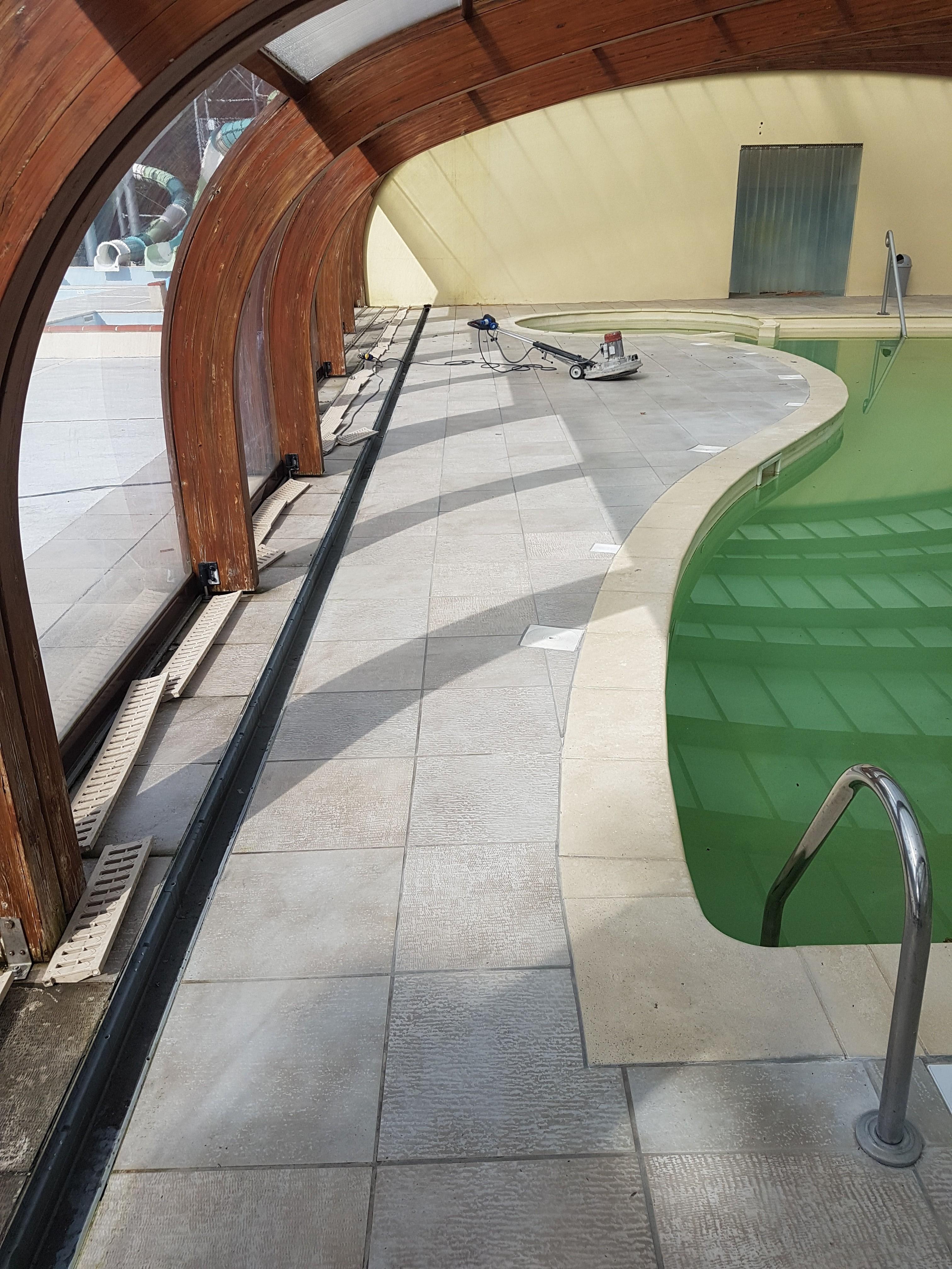 Plage de piscine résine 100% antidérapante