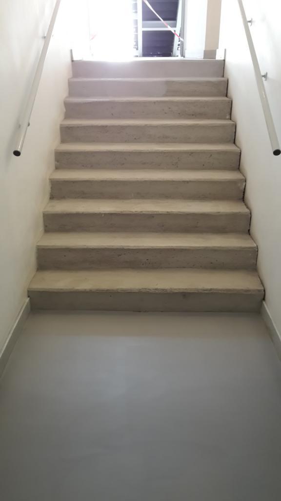 centre agora escalier 1