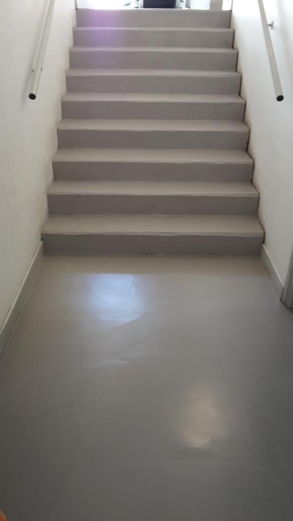 Centre agora escalier 2