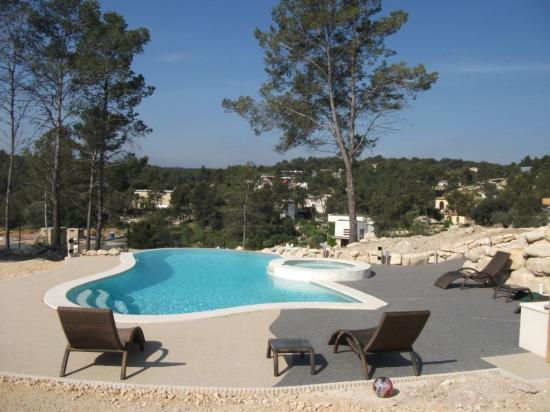 plage de piscine tapis de marbre